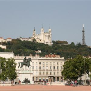 la place bellecour, à lyon.
