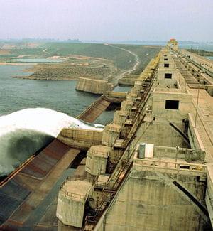 le barrage de tucurui estlong de 11 kilomètres.