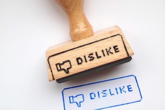 Facebook : Mark Zuckerberg annonce des tests sur un bouton pour exprimer la tristesse