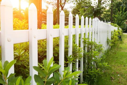 Installation d'une clôture: les règles à connaître
