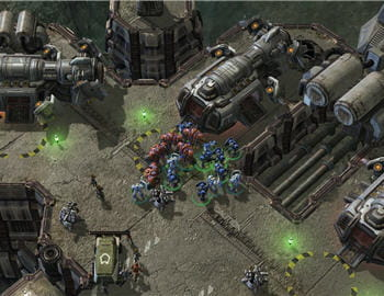 sur les cartes de starcraft 2, on trouve désormais des murs à faire sauter pour