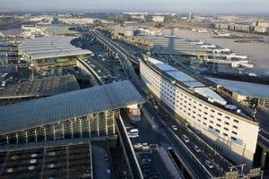 une vue de l'aéroport charles de gaulle.