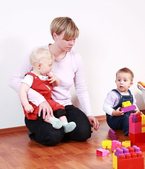 la garde d enfants hors domicile. Black Bedroom Furniture Sets. Home Design Ideas