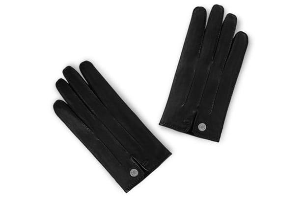 Une paire de gants Hermès