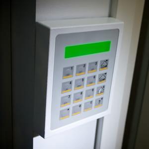 88% des 65 ans et plus protégent leur logement contre les intrusions.