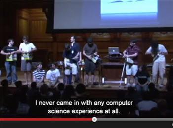 la vidéo de présentation dumoocd'harvardmontre de jeunes étudiants qui