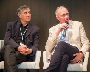 a gauche jean-michel pimont, directeur associé chez a plus finance, et à droite