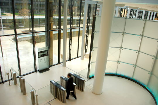 Un environnement spacieux pour accueillir les clients