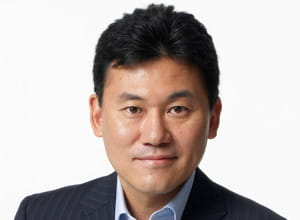 hiroshi mikitani, fondateur et pdg de rakuten