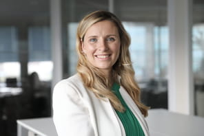 """Claire Calmejane (Société Générale)  :""""Société Générale est prête à travailler avec des acteurs de type AWS, Microsoft ou Google"""""""
