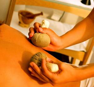 la cure 'délicieusement spa' revient à 78 euros par jour et par personne.
