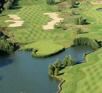 le golf mêle tradition britannique et innovations américaines.