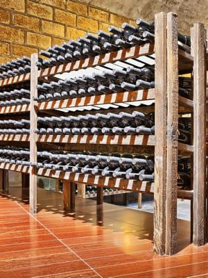 la vente d'une partie de la réserve de vins de la présidence a rapporté plus