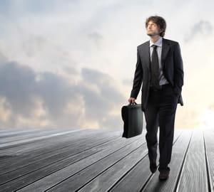 les personnes qui ne cessent de bouger sont accros au travail.