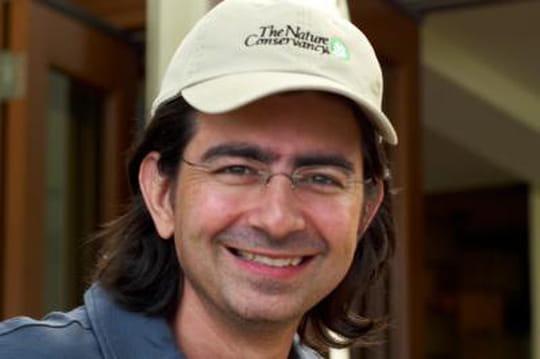 Pierre Omidyar : l'ingénieur à l'origine d'eBay, féru de journalisme