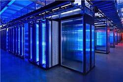 les serveurs de facebook ont été construits sur mesure.