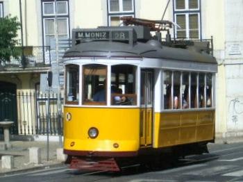 emmenez vos équipes faire un tour de lisbonne dans ses mythiques tramways.