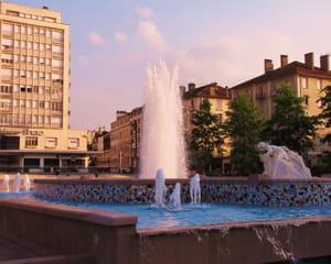 le centre-ville de pau.