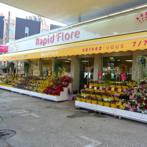 une implantation du fleuriste rapid'flore.