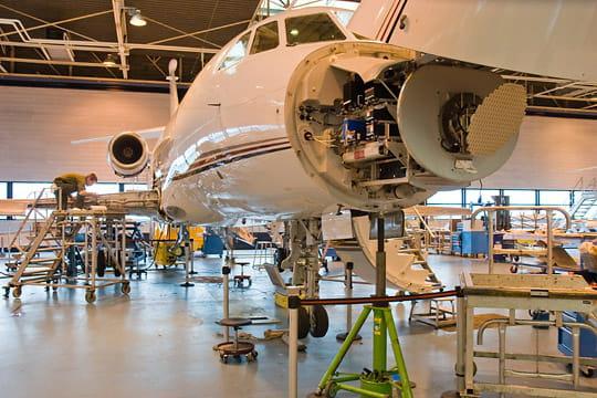 Dassault Falcon Service : service de piste