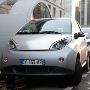 fin 2012, le service d'autopartage autolib comptera 1100stations et 3000