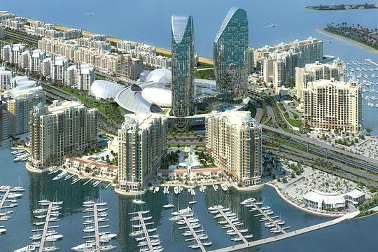 Une marina et un centre commercial géant