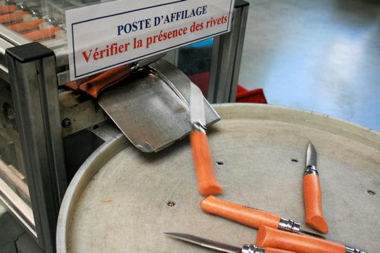 Les secrets de fabrication d'Opinel, le couteau vendu à des millions d'exemplaires