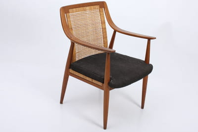 une chaise danoise des années 1950 sera parfaite pour accueillir vos