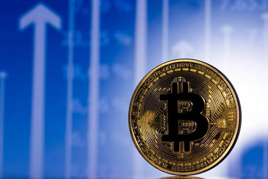 """Bitcoin : son cours s'envole vers les 40 000 dollars"""
