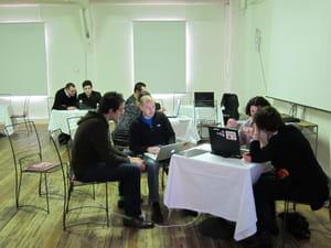a la première table, deux experts de google viennent en aide aux webmasters