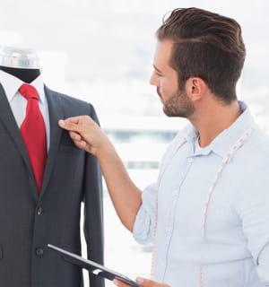 faites bien attention à la matière du costume.