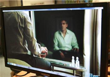 photo du film up in the air sur l'écran full hd f2380m de samsung