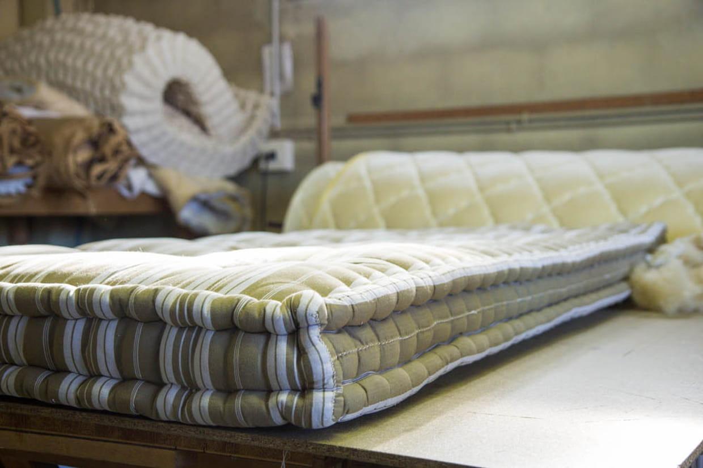 un service apr s vente. Black Bedroom Furniture Sets. Home Design Ideas