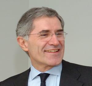 gérard mestrallet est pdg de gdf suez et président de suez environnement.