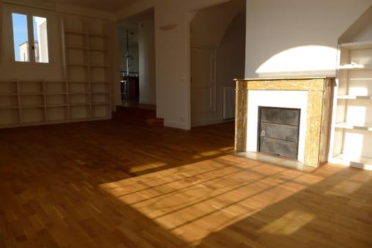Un appartement de 100m² au dernier étage