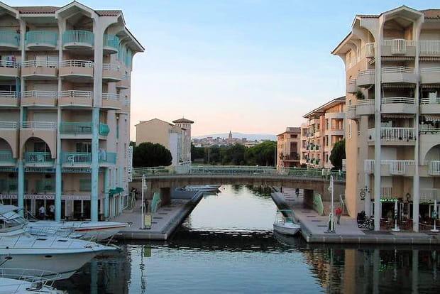 18e : Fréjus (Var),  27,7 mètres carrés de pouvoir d'achat