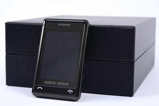 Samsung Armani : un mobile haute couture