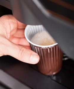 le réseautage commence à la machine à café.