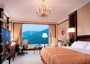 island shangri la hong kong 295 euros la nuit. Black Bedroom Furniture Sets. Home Design Ideas