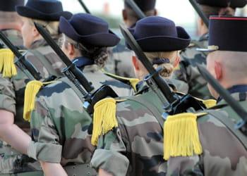 le prix de recrutement d'un militaire varie d'un corps à l'autre.