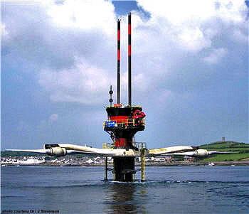 les marées servent de moteur pour ces énormes turbines marines.