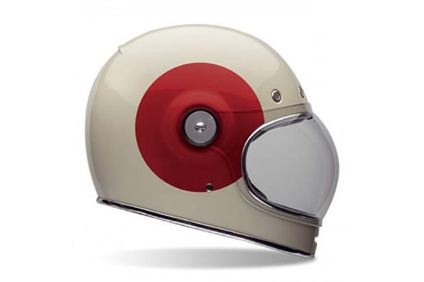 Un casque de moto vintage