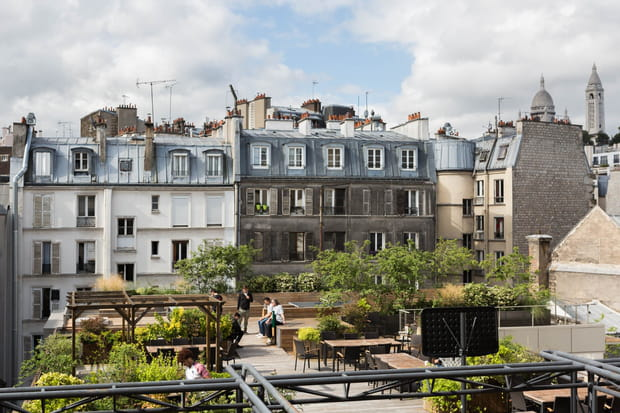 Une terrasse à 180° avec vue sur le Sacré-Coeur...