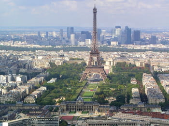 une vue aérienne de paris.