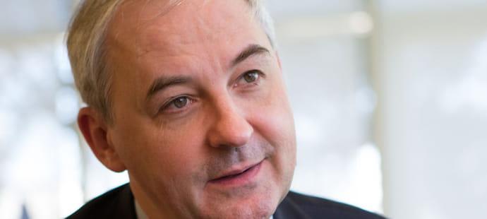 """Francois Perol (BPCE):""""Nous prenons très au sérieux l'arrivée d'Orange sur le marché"""""""
