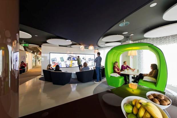 Courbes futuristes pour l'étage innovant