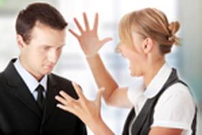 Désavoué en public : comment réagir ?