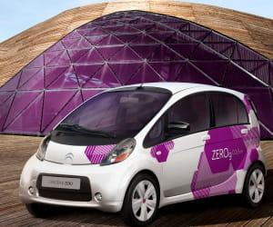 la citroën c-zéro, 100% électrique, sera disponible fin 2010.