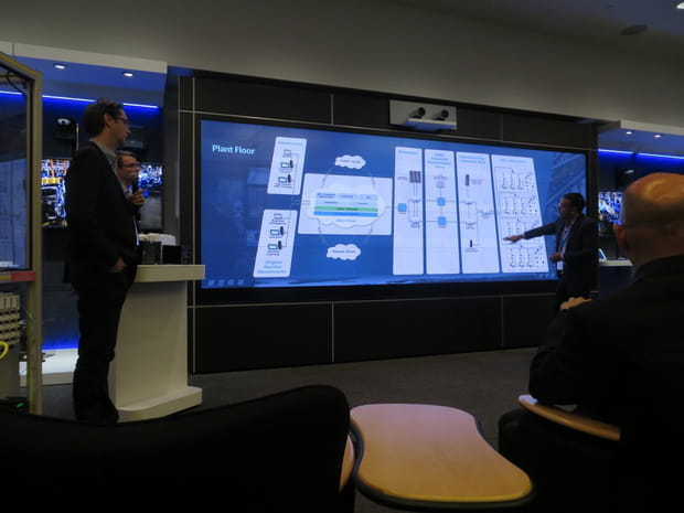Des écrans tactiles de la taille d'un mur, pratiques pour les présentations