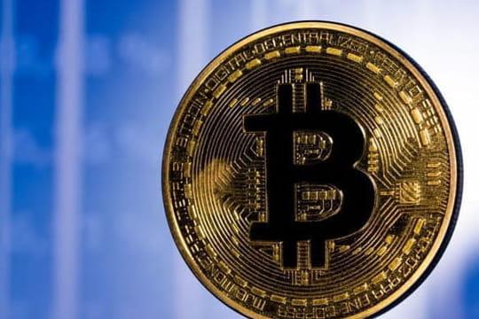 Bitcoin: après un mardi noir, son cours reprend des couleurs